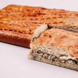 Пирог со свининой и говядиной