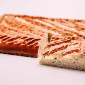 Пирог с сыром, зеленью и картофелем
