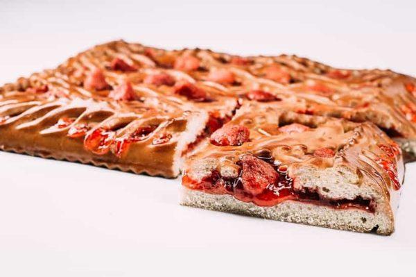 Пирог со свежей клубникой на сайте edakdomu.ru