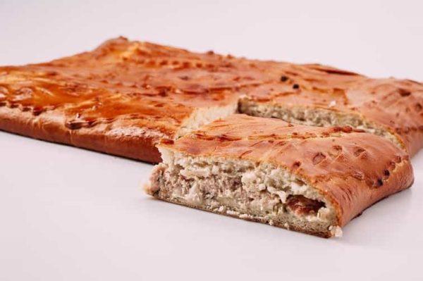 Пирог с курицей, помидорами и сыром на сайте edakdomu.ru