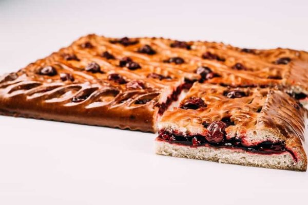 Пирог со свежей вишней на сайте edakdomu.ru